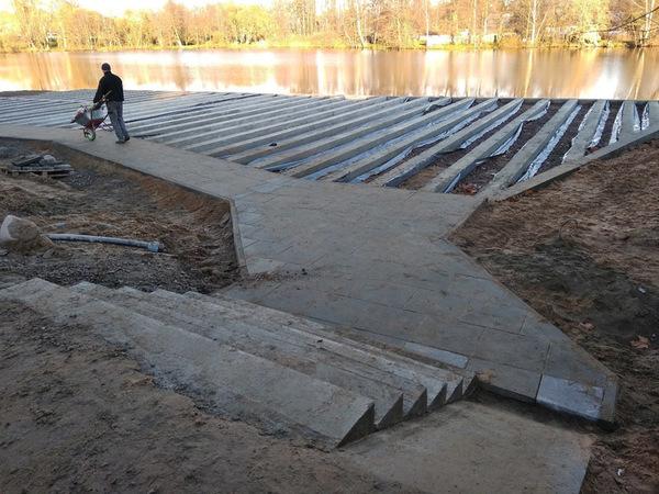 Жители Сестрорецка хватились песка, который «пропадает» с Офицерского пляжа. В администрации обещают досыпать