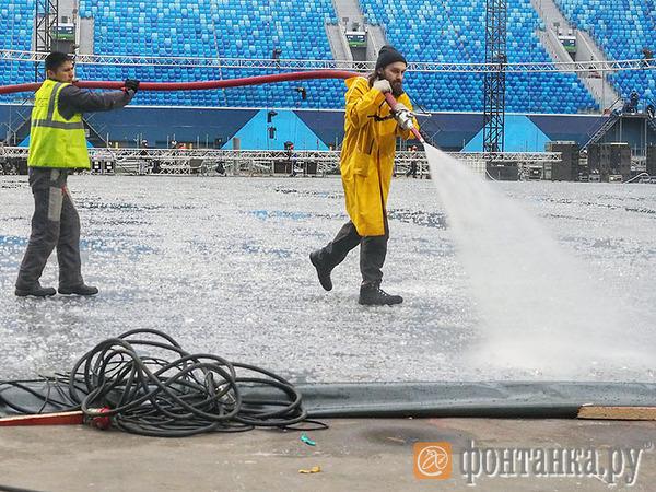 Как футбольный стадион «Зенита» переделывают в ледовую арену