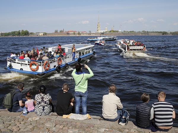 Туристы скинулись на корабли. Поможет ли рекордный рост пассажиропотока обновить петербургский флот