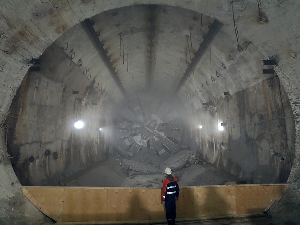 «Метрострой» уперся в «Горный». Смольный признал второй срыв в петербургской подземке