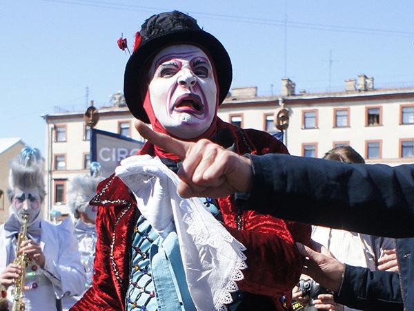 «Мальчишеский, незрелый и очень неблаговидный поступок».  Бывший шеф канадского цирка рассказал, почему в Москве не будет Cirque Du Soleil