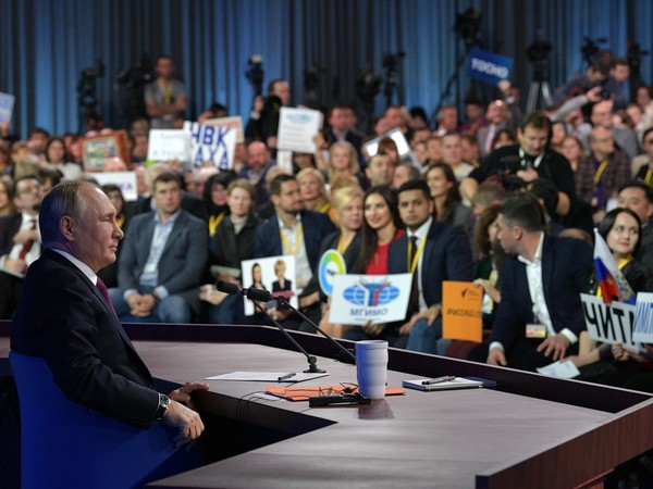 Журналистозамещение: кто спрашивал Путина о Петербурге