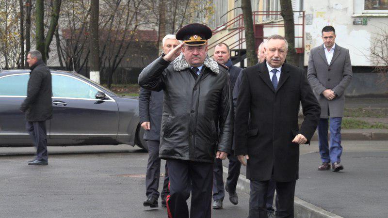 Андрей Мануковский (крайний справа) - на открытии 57-го отдела полиции