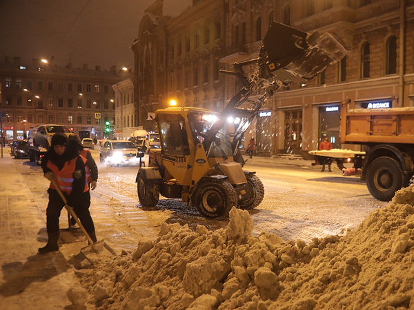 Рублевский к понедельнику пообещал очистить Петербург от снега