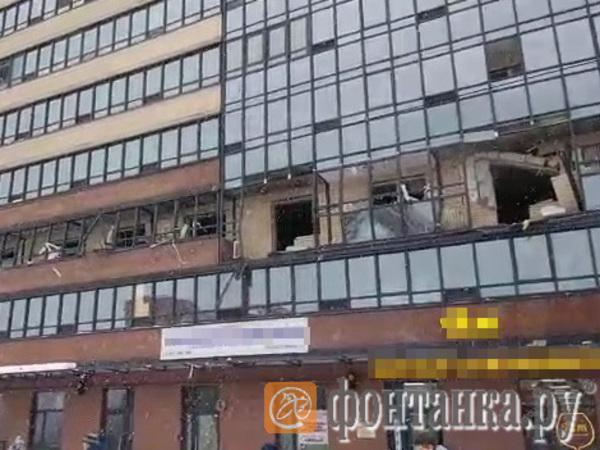 На Репищевой произошел взрыв в жилом доме