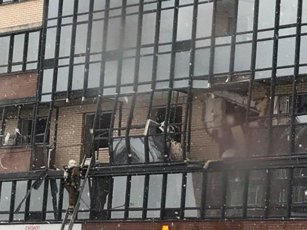 При взрыве в доме на Репищевой пострадали люди