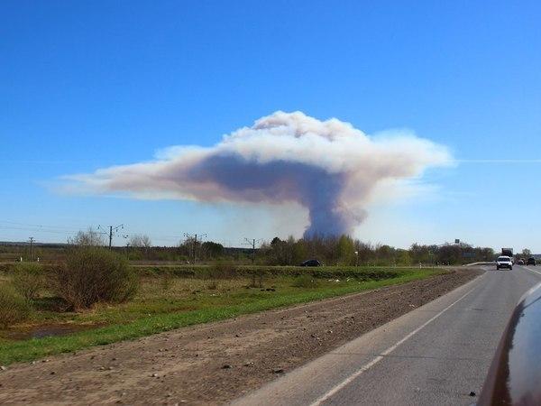 Из-за пала травы в бывшей военной части Удмуртии детонируют снаряды