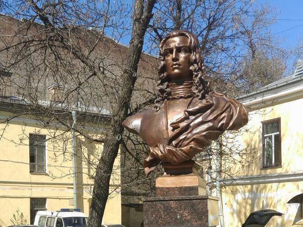Главныйполицейский Петербурга открыл памятник первому полицейскому