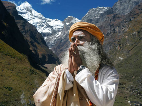 Что не так с йогином из Индии, который станет звездой ПМЭФ-2018