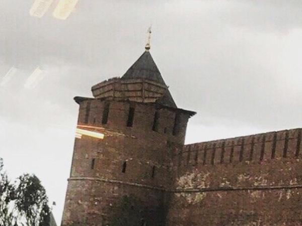 Ураган сорвал крышу с нижегородского кремля