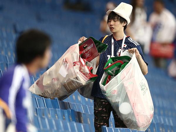 Сборная Японии оставила после себя на «Ростов-Арене» идеально чистую раздевалку и табличку «Спасибо»