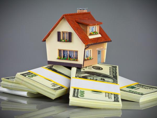 «Я пока просто смотрю»: Американские санкции заставили петербуржцев активнее интересоваться недвижимостью
