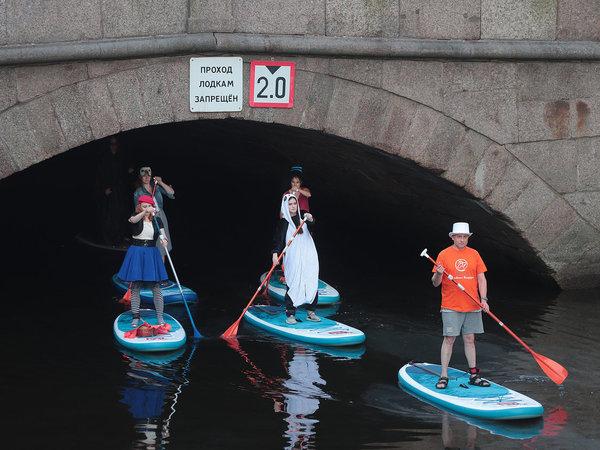 «Фонтанка-SUP» - тест-драйв: как выбирать костюм для водного карнавала