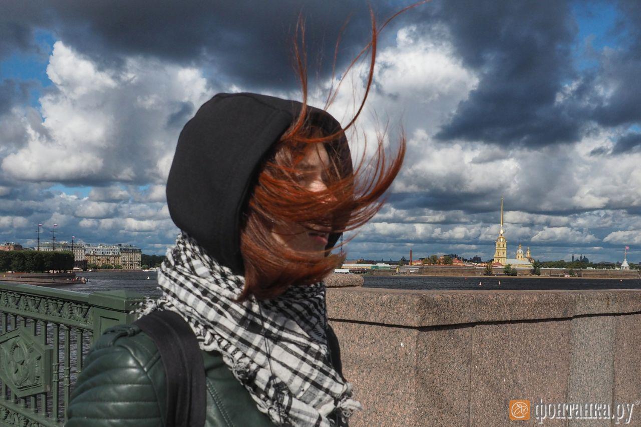 Неделя в Петербурге начнётся со штормового ветра, ливней и града (Иллюстрация 1 из 1) (Фото: Михаил Огнев)