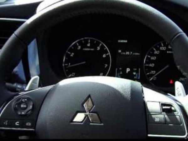 Mitsubishi отзывает старые «Аутлендеры» – из-за стекла, грозящего улететь с крыши