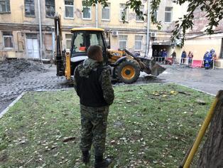 devushki-na-chas-piter-fitnes-devku-golaya