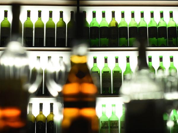 На Софийской ФСБ наткнулась на контрабанду элитного алкоголя. Изъяли на 15 млн
