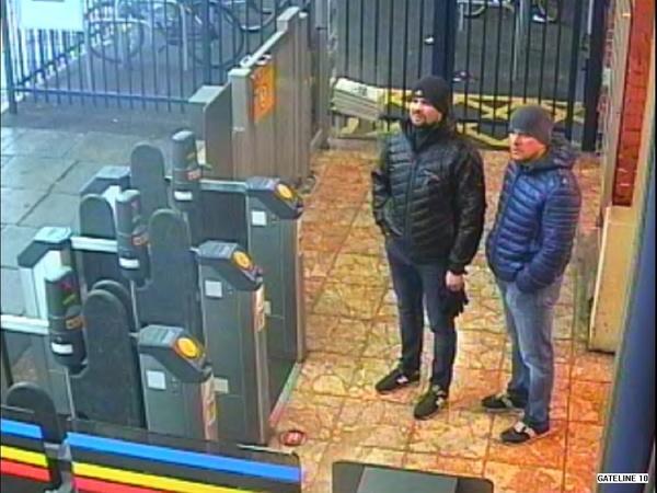Россиянам, подозреваемым в отравлении Скрипалей, предъявили обвинения по четырем статьям. В их номере нашли следы «Новичка»