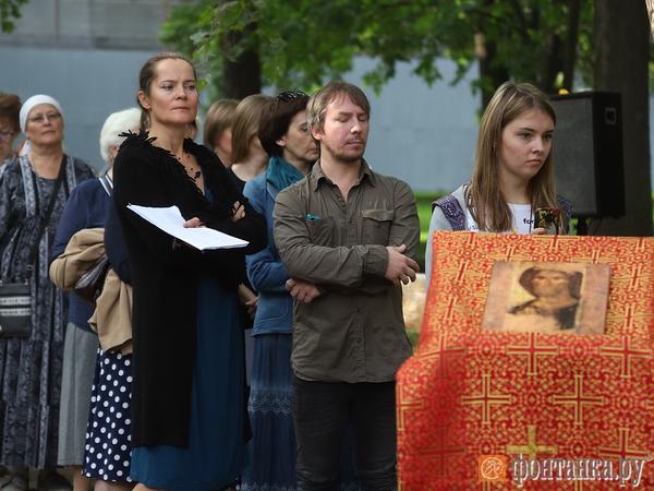 «Нужно их называть, иначе жизни нет». Петербург вспомнил жертв блокады