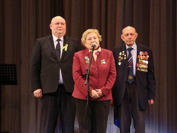 10 лет Энергомашбанк дарит ветеранам концерт «Ленинградская встреча»