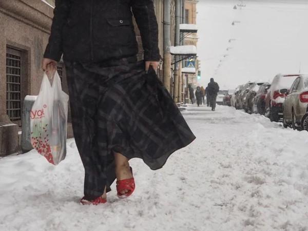 «Это совсем не халтурная уборка, это новое слово в искусстве»: петербуржцы вовлекаются в поиски лучшего сугроба