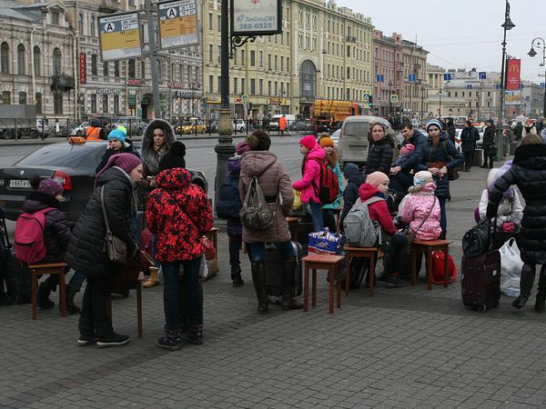 Там, где маршрутке можно, новому автобусу нельзя. Для транспортной реформы не хватает почти 600 остановок и 4,5 млрд рублей