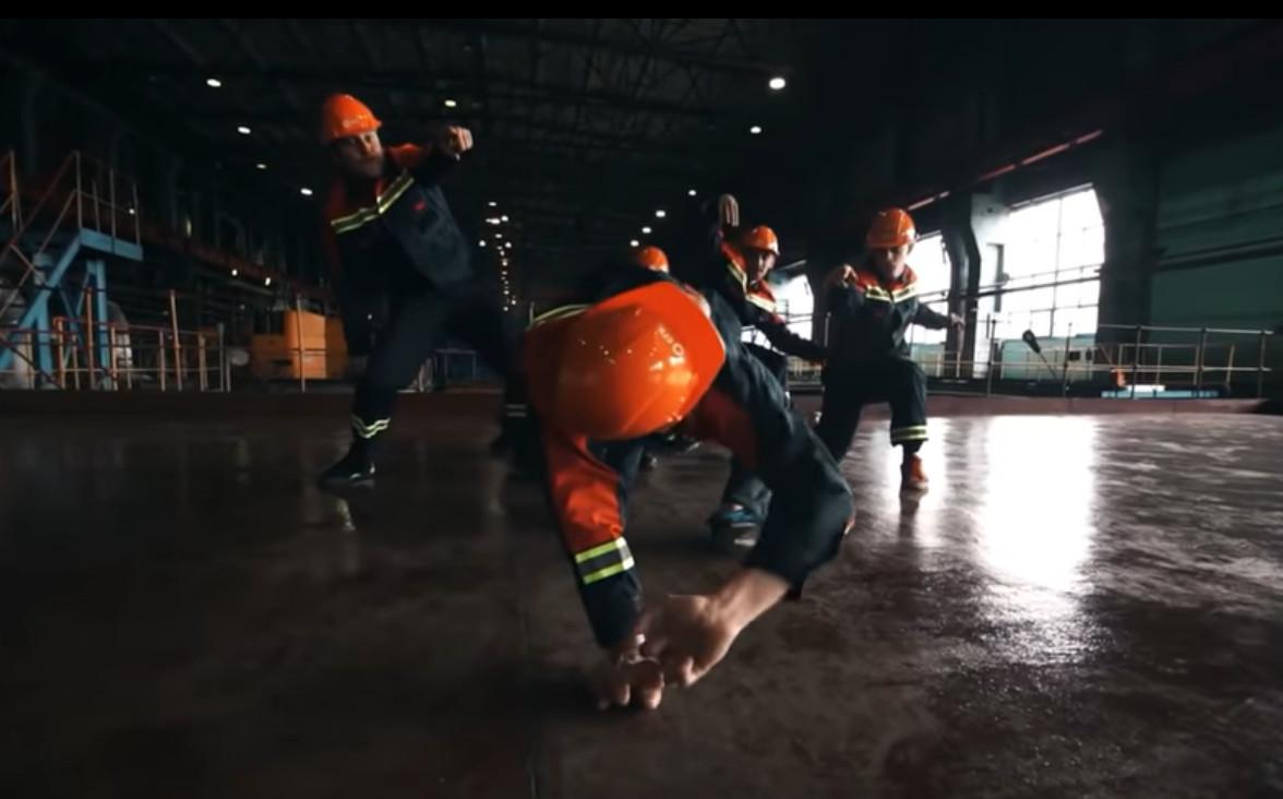 Кадр из видео в YouTube на канале Barnaul 22