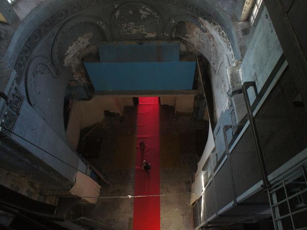 В Петербурге бассейну моряков-подводников вернут облик храма РПЦ за 883 млн рублей: показываем его до реставрации