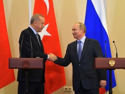 «Нашего президента там встречают с большим энтузиазмом». Эксперт по Ближнему Востоку о вводе военной полиции РФ на север Сирии