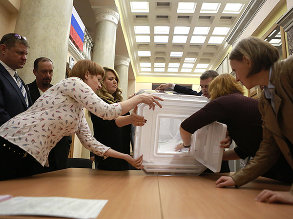 Суду показали ночь выборов. И уборщицу вместо подсчета результатов