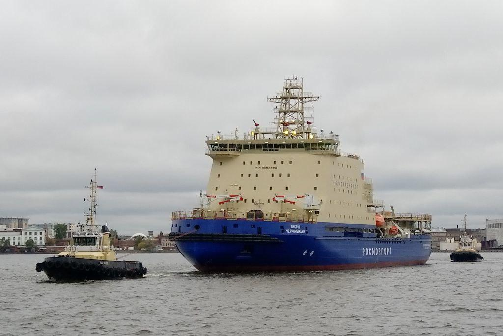 «Черномырдин» уходит в море. Крупнейший в мире неатомный ледокол вышел из Петербурга на ходовые испытания