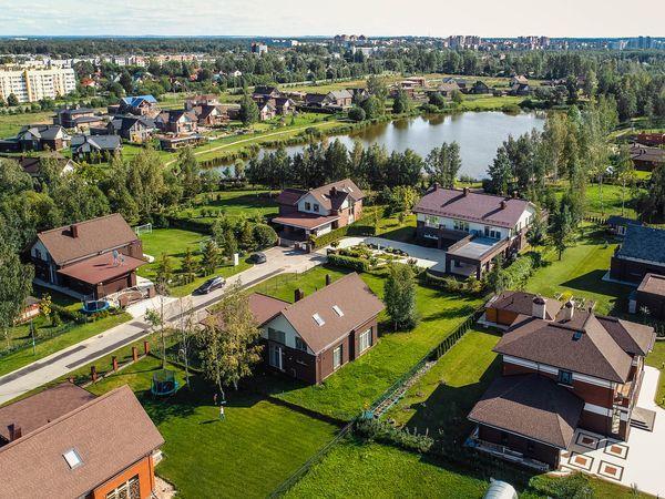 Ипотека от 9,9% годовых на домовладения в коттеджных поселках компании «Строительный трест»