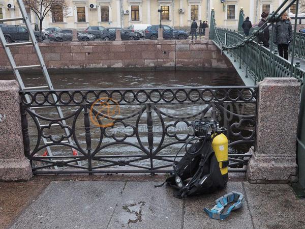 Водолазы шестой день работают в акватории Мойки, где нашли части тела убитой Анастасии Ещенко