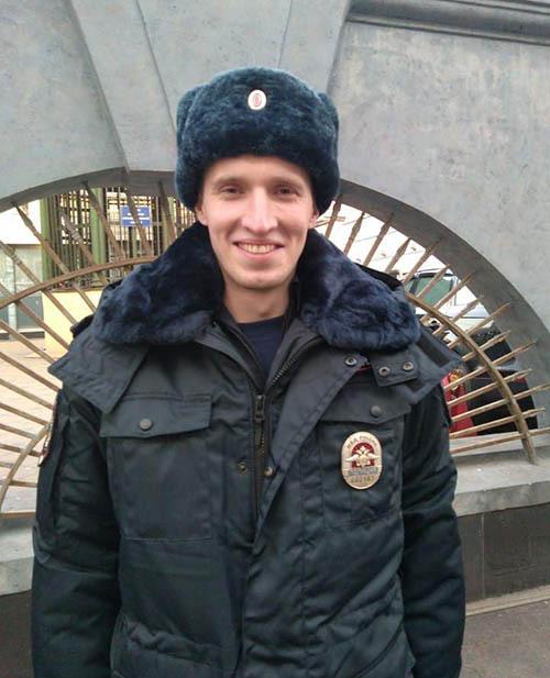 младший сержант полиции Дмитрий Зимников, сотрудник Управления полиции на метрополитене