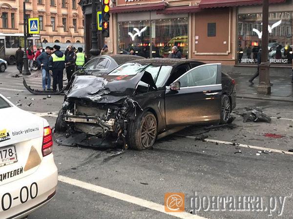 10 лет, без возражений. За пьяный угон и смерть двоих в аварии на Невском водитель отправится в колонию