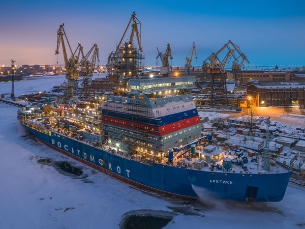 Уникальный мост против уникального ледокола. На Балтзаводе думают, пройдет ли «Арктика» под ЗСД