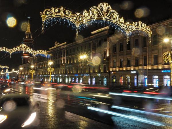 Смотрите, как Петербург подготовился к Новому году