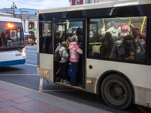 На грани риска. Теснота в маршруте №330 указала на узкие места, которые откроются в рамках транспортной реформы