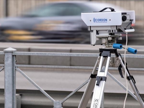 Притормаживать или нет перед камерами ГИБДД. Штрафы за среднюю скорость близки к запрету