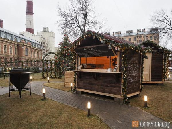 Бассейн, собаки и немцы. Почему Петербург лишился частной рождественской ярмарки
