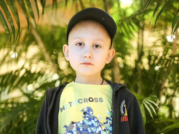 «Нам такую сумму просто не осилить». Шестилетнего Владика может спасти дорогостоящая протонная терапия