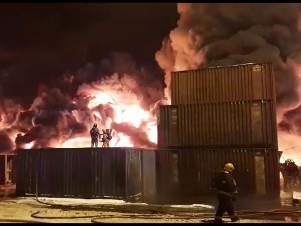 Пожар на контейнерном терминале в Шушарах. Онлайн