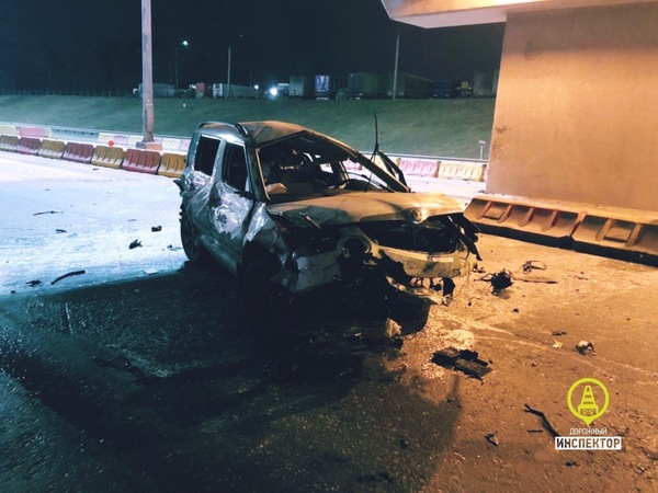 Смертельный занос на КАД: в боны и столб водитель летел по сухой дороге