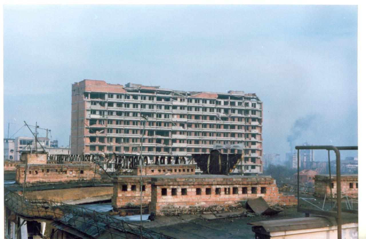 Вид с железнодорожного вокзала, Грозный, 1995 год