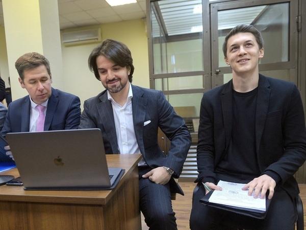 Егор Жуков (справа)//Глеб Щелкунов/Коммерсантъ