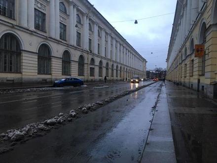 улица Зодчего Росси после уборки 8 декабря 2019 года / автор фото - «Фонтанка.ру»