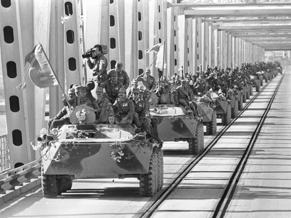 Михаил Кожухов: «Самоотверженно воевавший достоин аплодисментов, даже если он воевал на бессмысленной войне…»