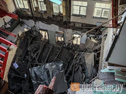 Фото и видео дня: «Фонтанка» показывает обрушившееся здание ИТМО изнутри