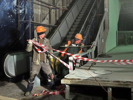 «Паперть, панель, преступление не предлагать». Как метростроевцы ждут ответа от банка «Санкт-Петербург»