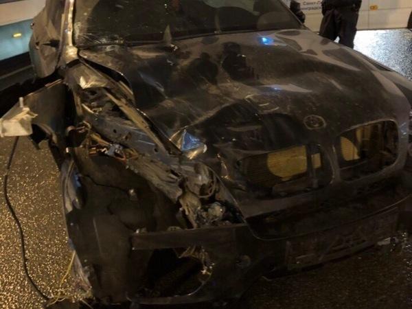Очевидцы: BMW X6 на Невском вылетел на тротуар, есть погибшие